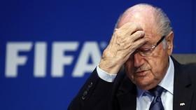 رییس فیفا به طور موقت محروم شد