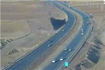 عابر بر اثر تصادف در آزادراه زنجان - قزوین جان باخت