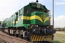 چرخ روان توسعه کشور در ایستگاه راه آهن