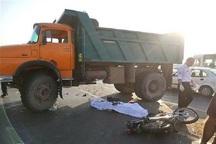برخورد موتورسیکلت با کامیون در تاکستان یک کشته برجا گذاشت