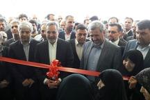 وزیر آموزش وپرورش مرکز بنت الهدی را در ایوانکی افتتاح کرد