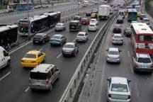 تردد خودروها درجاده های البرز به کندی صورت می گیرد