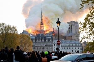 آتش سوزی گسترده کلیسای نتردام پاریس
