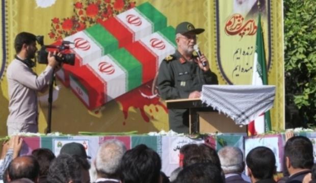 پیکرهای پاک سه شهید گمنام در بوشهر تشییع شد