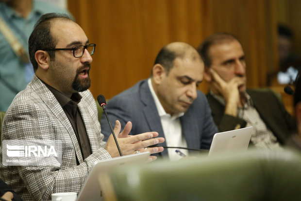 هیات رئیسه در اداره جلسات شورای شهر تهران وحدت رویه ندارد