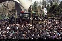 تشییع پیکر سید احمد خمینی از مقابل دانشگاه تهران با حضور مردم عزادار+ تصاویر