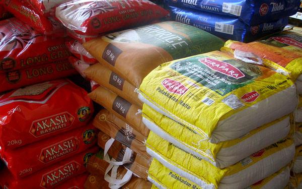توزیع گسترده برنج و شکر با هدف تنظیم بازار ایام عید در سراسر استان