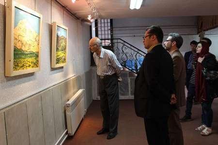 نمایشگاه نقاشی هنرمند شهرکردی برپا شد