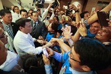 رهبر جنجالی که با زور قانون را به اجرا در می آورد/  رئیس جمهور خاص را بیشتر بشناسیم+ تصاویر