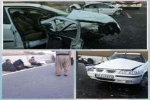واژگونی خودرو سواری ترافیک در آزاد راه کرج- قزوین ایجاد کرد