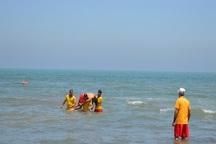 پنج نفر از غرق شدن در آبهای ساحلی  آستارا نجات یافتند