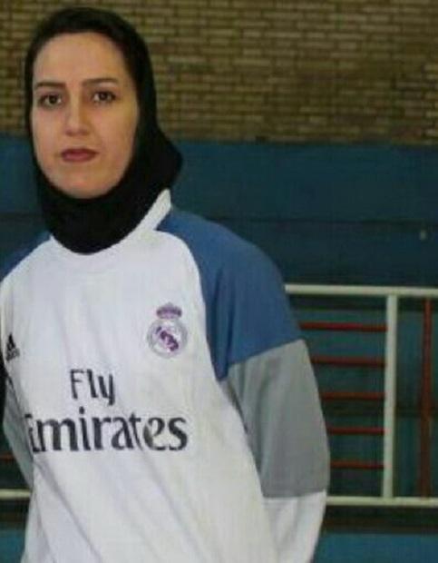 سرمربی پارس آرا: با دست خالی به لیگ برتر صعود کردیم