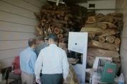 ۱۰ تن چوب جنگلی از انباری خانهای در سمنان کشف شد