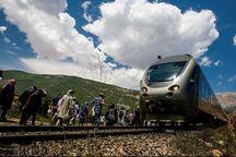 ورود نخستین قطار گردشگری به شهر جهانی انگور