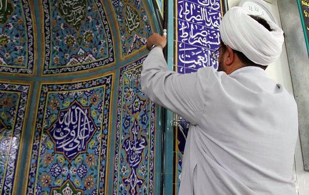 270 مسجد در دلگان غبارروبی و عطر افشانی شد