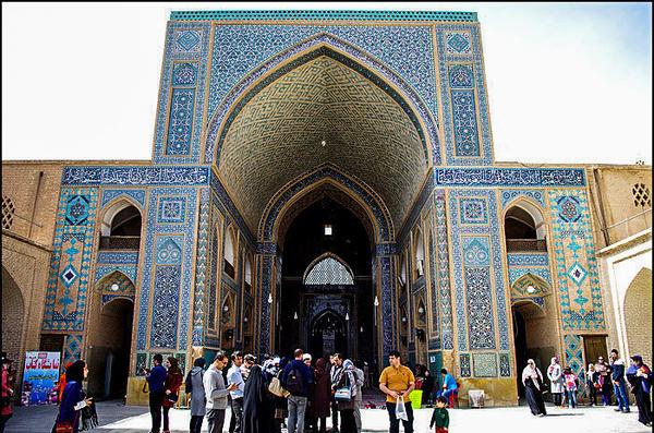 محور اصلی توسعه استان یزد گردشگری است  مالیات، سد راه رونق صنعت گردشگری است