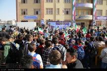 9 هزار دانش آموز گیلانغربی سال تحصیلی جدید را آغاز کردند