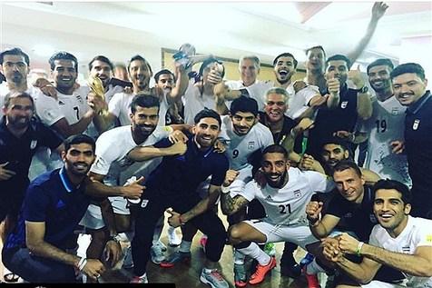 عکس دسته جمعی بازیکنان تیم ملی فوتبال در رختکن