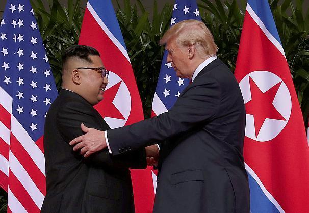 پایان نخستین دیدار رهبران آمریکا و کره شمالی در سنگاپور+تصاویر