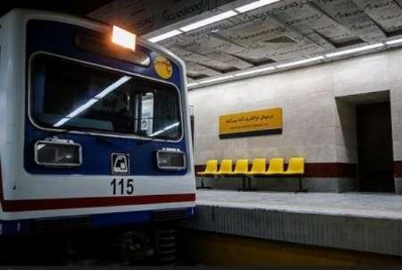 خودکشی یک زن در مترو