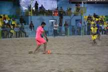 تیم فوتبال ساحلی گلساپوش یزد، شهید جهان نژادیان آبادان را شکست داد