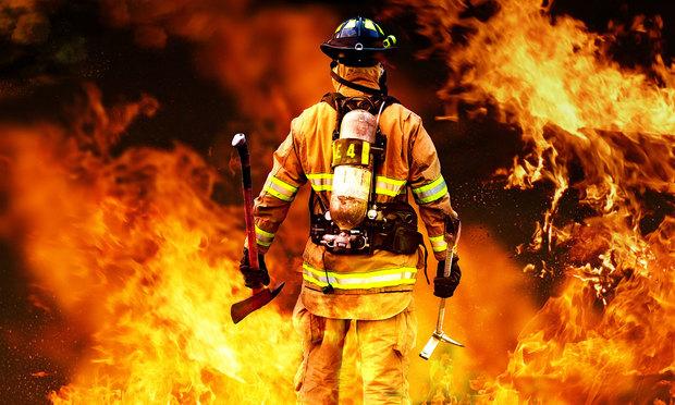تجهیزات آتش نشانان متناسب با استانداردهای روز باشد