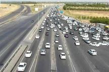 ترافیک در آزادراه های قزوین نیمه سنگین است