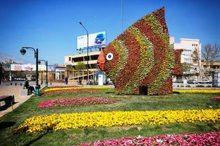 86 نماد نوروزی گل در مشهد نصب شد