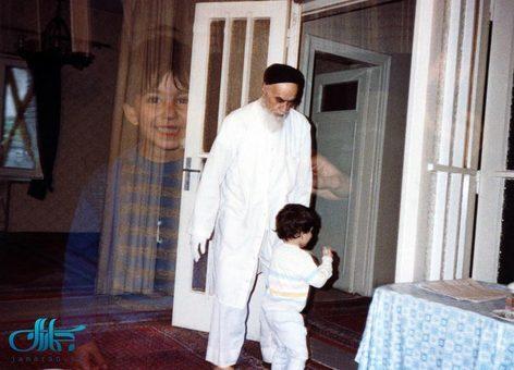 پاسخ امام به کودکانه های سید علی چگونه بود؟