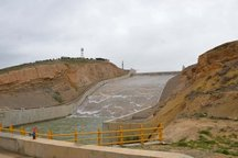 سرریز شدن آب سدهای آذربایجان غربی در اثر بارشهای اخیر