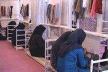 مددجویان آذربایجان شرقی 4 هزار و 386 تخته فرش بافتند