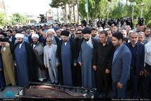 اقامه نماز سید حسن خمینی بر پیکر مرحوم عباس آشتیانی