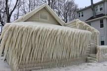 خانه ای پوشیده از یخ !