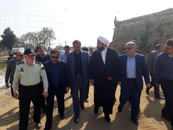 بازدید معاون وزیر راه و رئیس کمیسیون عمران مجلس از پروژههای عمرانی فومن