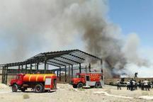 آتش سوزی انبار نگهداری پارچه در کاشان مهار شد