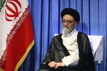 امام جمعه تبریز: مردم و مسئولان مصرف کالای ایرانی را در اولویت قرار دهند