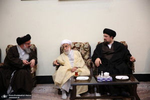 حاشیه های تجدید میثاق رئیس و اعضای مجلس خبرگان رهبری با آرمان های امام خمینی(س)