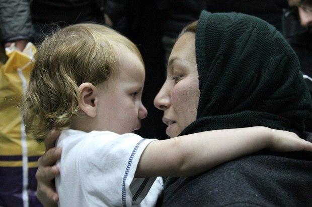 باران ربوده شده به آغوش مادرش بازگشت