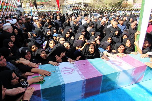 پیکر پاک یک شهید گمنام در اردستان تشییع شد