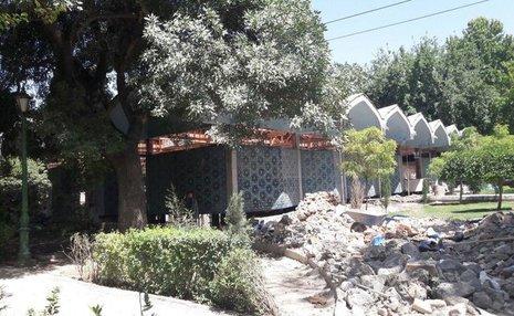«قرار بود کتابخانه پارکشهر فقط مقاومسازی شود»