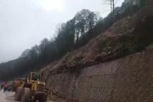 بارش باران موجب رانش کوه در محور سوادکوه شد