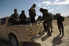 چرا کردهای سوریه مناطق شرق فرات و میدان های نفتی را تحویل دمشق دادند؟