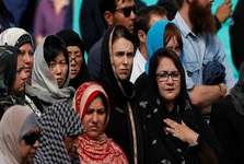 محجبه شدن زنان نیوزیلندی و پخش اذان در سراسر کشور در همبستگی با مسلمانان