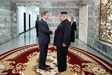 عکس/ رهبران دو کره در آغوش یکدیگر