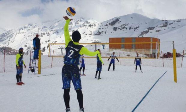 تهران قهرمان نخستین دوره والیبال برفی ایران شد
