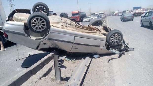 واژگونی خودرو در رودان چهار مجروح بر جای گذاشت