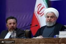 اظهارات دکتر روحانی به معنی سلب مسئولیت و اختیار از خود نبود/ تصمیم گیری درباره اصلاح قیمت بنزین مورد تایید و تاکید همه ارکان نظام بود