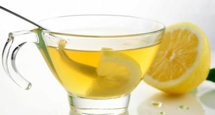 فواید نوشیدن آب گرم و لیموترش
