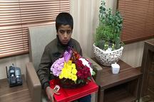 پیمانکار بد رفتار شهرداری با کودکان گلفروش اخراج شد  دلجویی شهردار کرمان از کودکان افعانی
