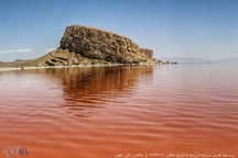 خشکی دریاچه ارومیه مساوی با خطر افتادن جان ۱۴ میلیون نفر است